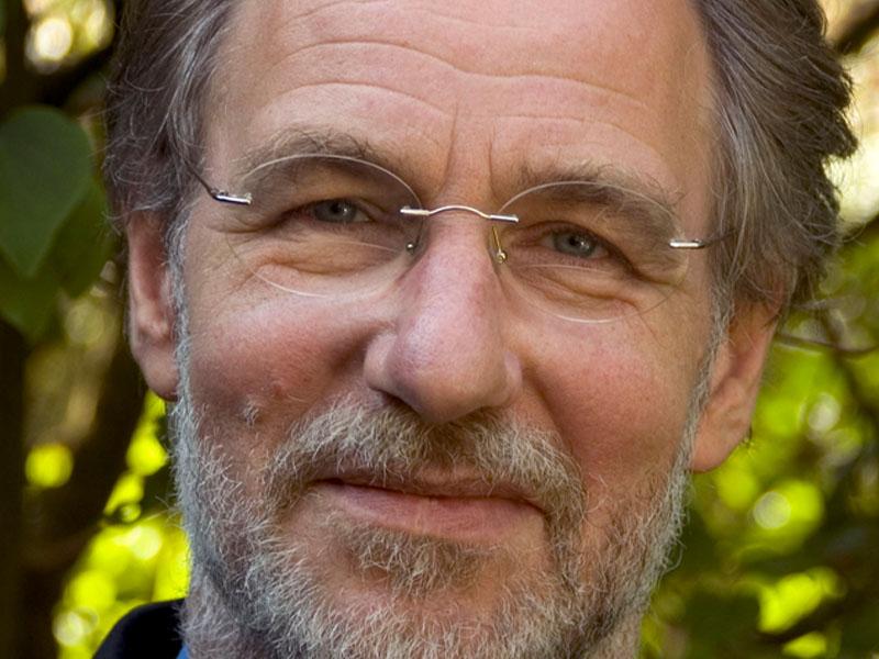 Jan Jonker is een bevlogen spreker. Boek hem voor een inspirerende lezing.
